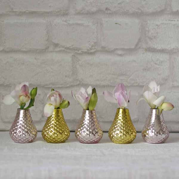 Set of pink and gold tiny bud vases available from @theweddingomd The Wedding of my Dreams