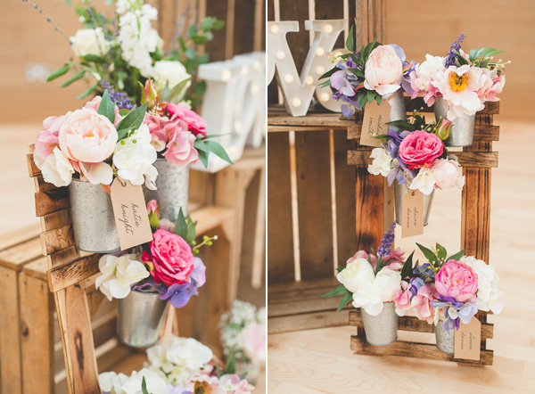 rustic table plan for summer wedding available from @theweddingomd