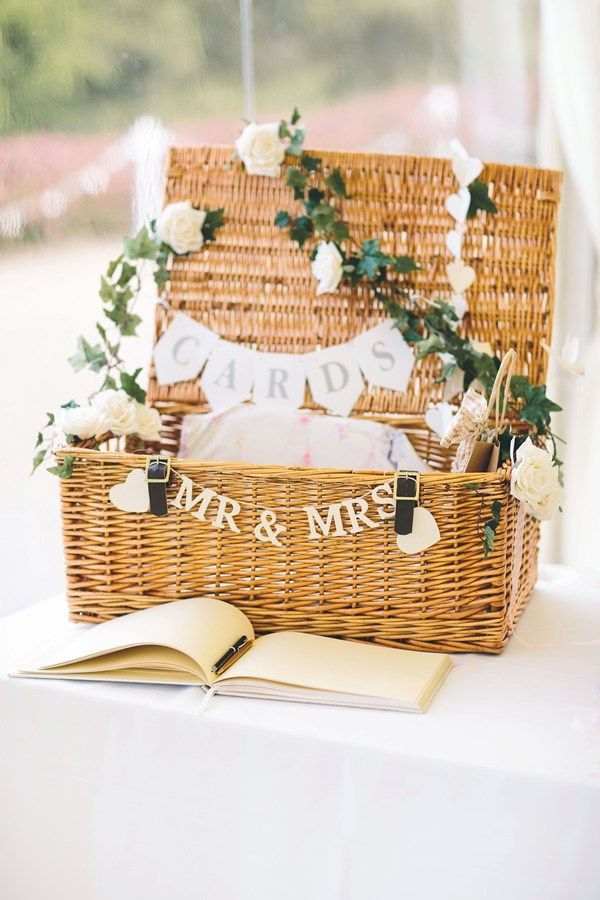 picnic hamper wedding cards table