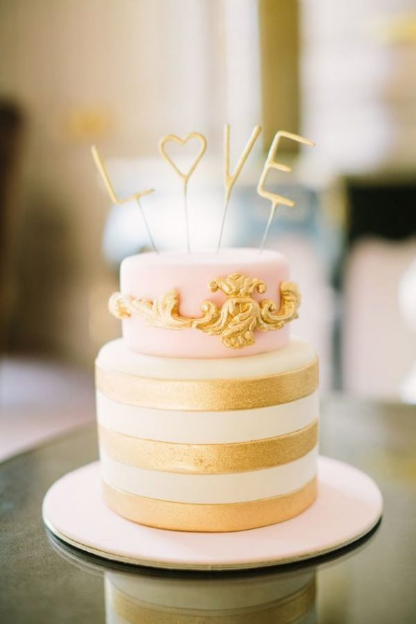cake topper sparklers - fab idea