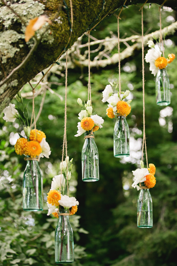 hanging vases available from @theweddingomd stylemepretty.com - whitedaisyphoto.com