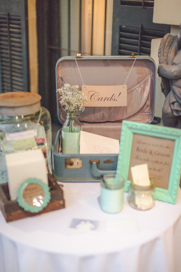 vintage suitcase wedding cards table