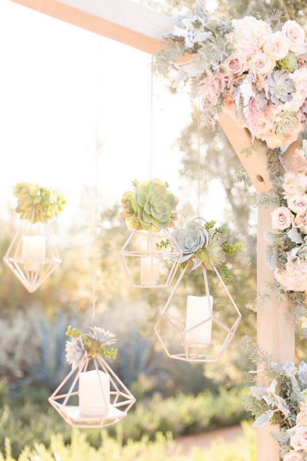 gold wedding decorations hanging vases bridalmusings.com -amyandjordan.com: