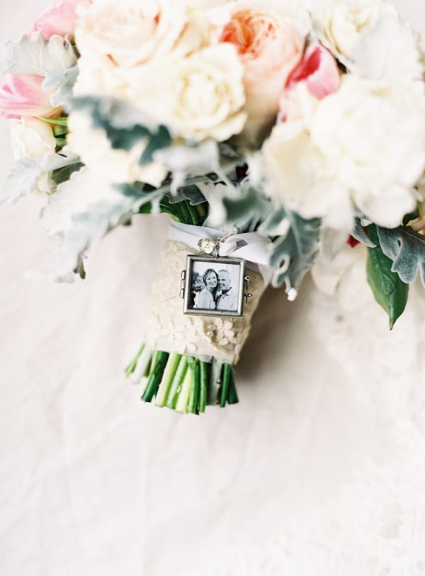 personalised wedding bouquets tiny photo frame available from @theweddingomd stylemepretty.com - allisonkuhnphotography.com