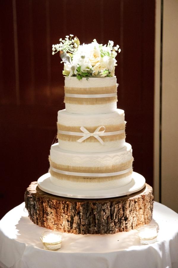 hessian wedding ideas stylemepretty.com - jenniferoliphant.com