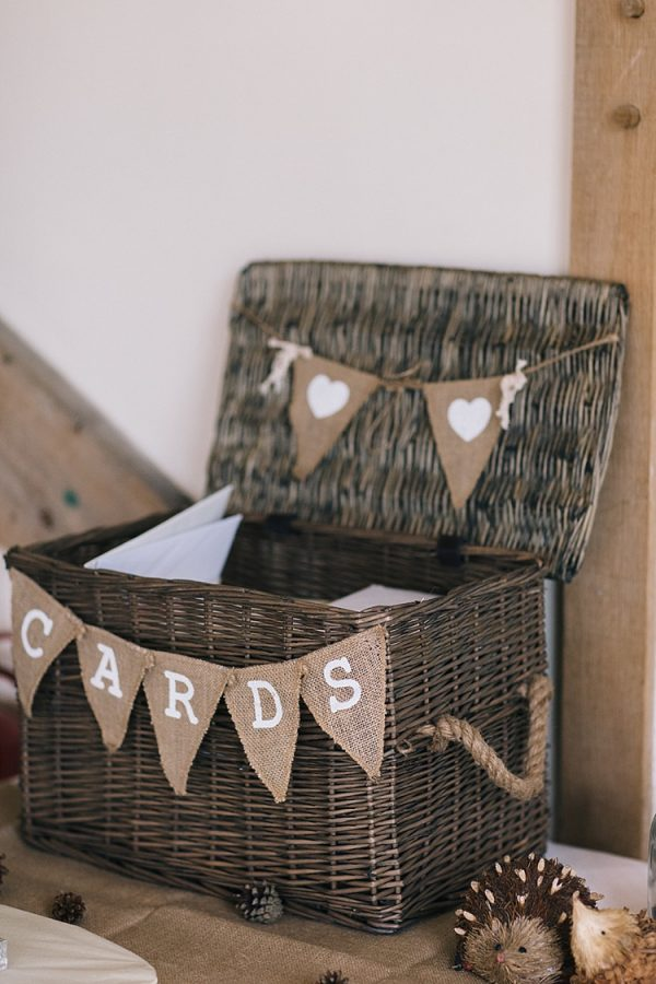 hessian bunting available from @theweddingomd whimsicalwonderlandweddings.com - emilyhannah.com