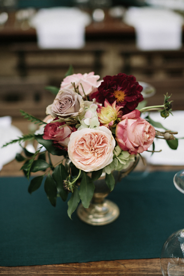 autumn wedding centrepiece stylemepretty.com - jonas-seaman.com