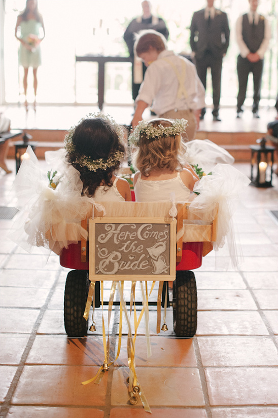 cute signs for flower girls and page boys weddingchicks-com-brettheidebrecht-com