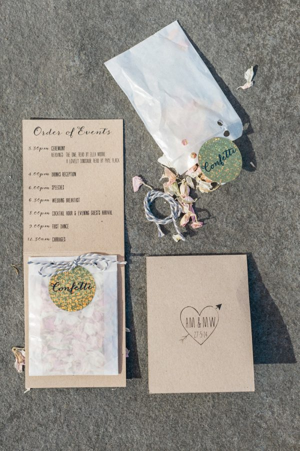 individual confetti envelopes with order of the day