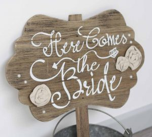 Here comes the bride sign available from @theweddingomd