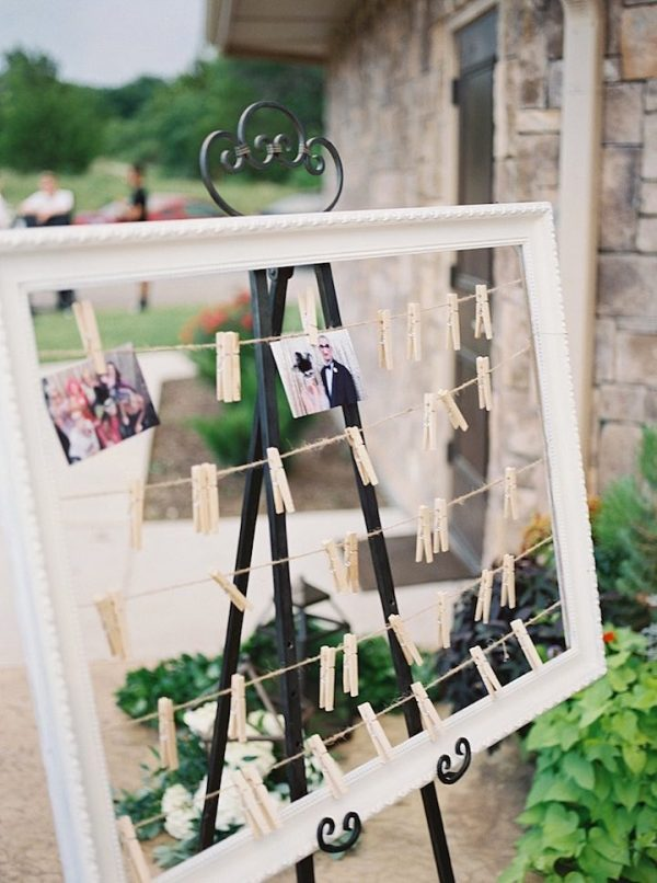 displaying photos at your wedding modwedding-com-tracyenoch-com