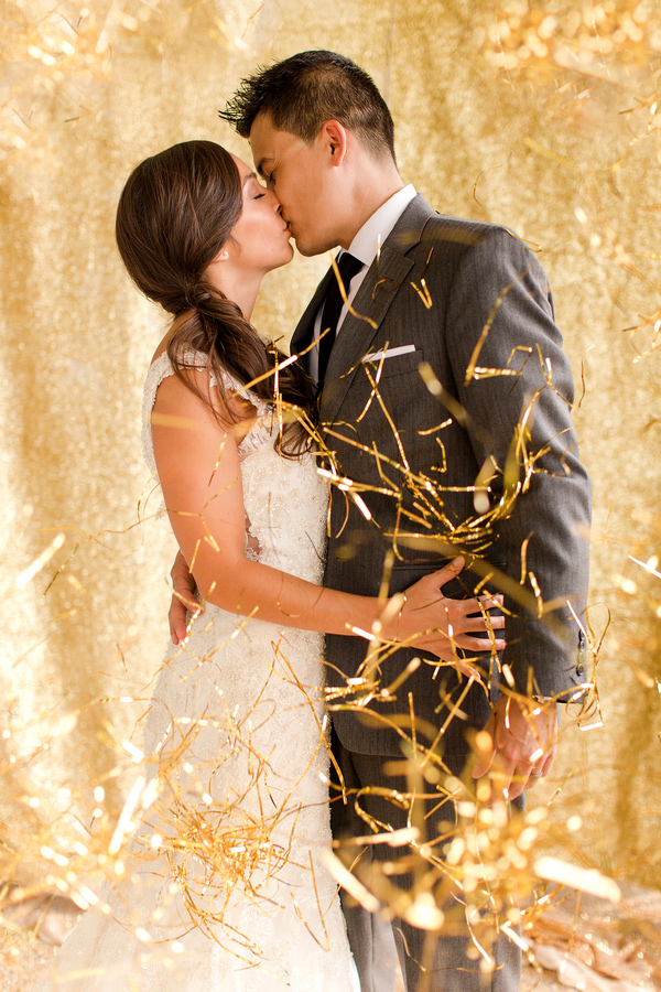 winter wedding confetti ideas ruffledblog-com-katelynjamesblog-com