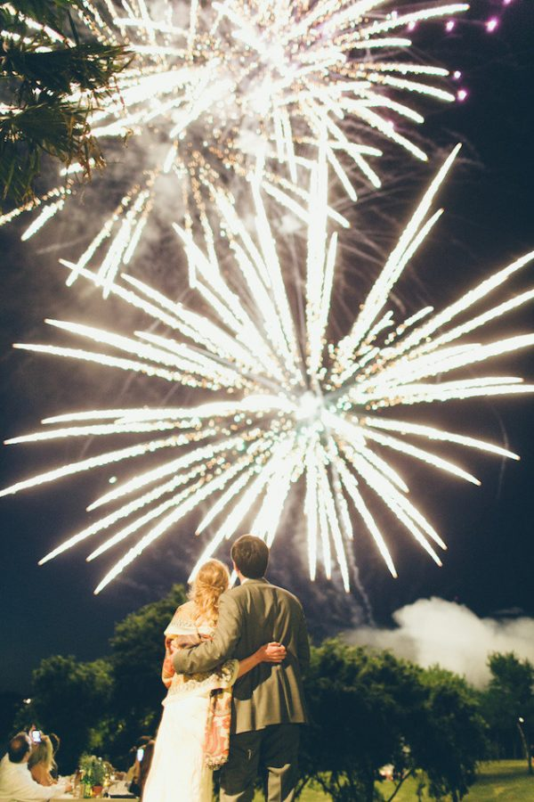 how to style a bonfire night wedding stylemepretty-com-jessbarfield-com