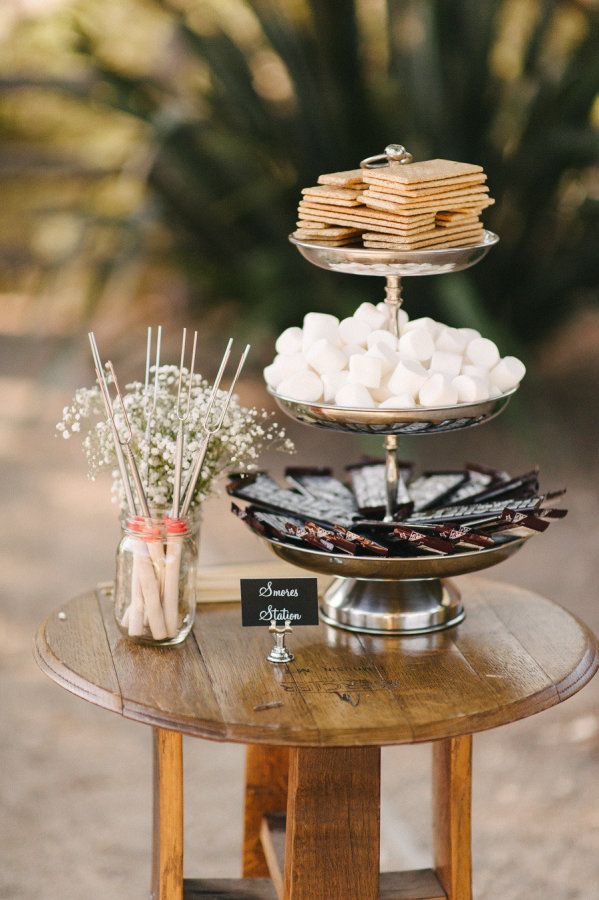 show to style a bonfire night wedding tylemepretty-com-johnpluslouise-com
