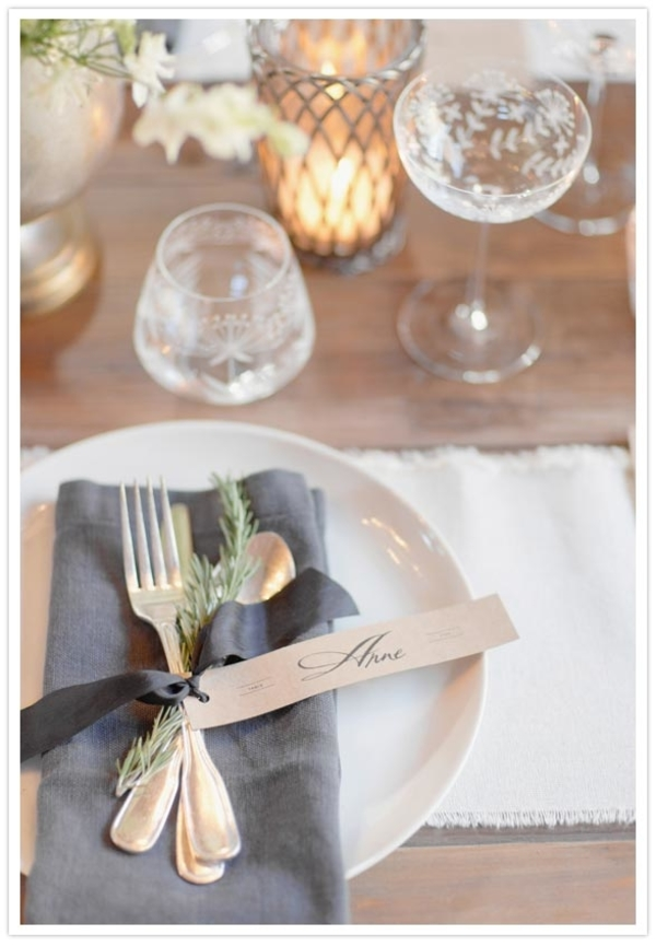 Christmas wedding place settings ideas and inspiration Christmas place setting ideas