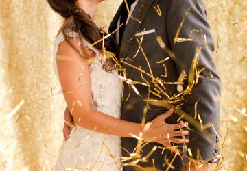 Gold Winter-Wedding-Confetti-Ideas