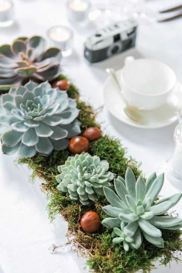 incorporate moss into your wedding decorations rockmywedding-co-uk-annkathrinkoch-com