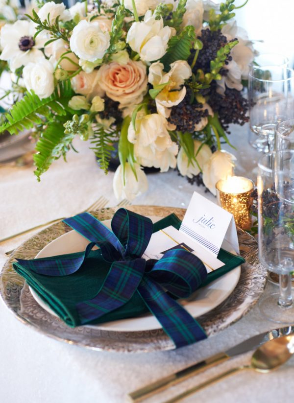 Christmas Wedding Place Settings stylemepretty-com-charlottejenkslewis-com