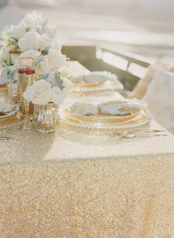 gold sequin table cloth weddings