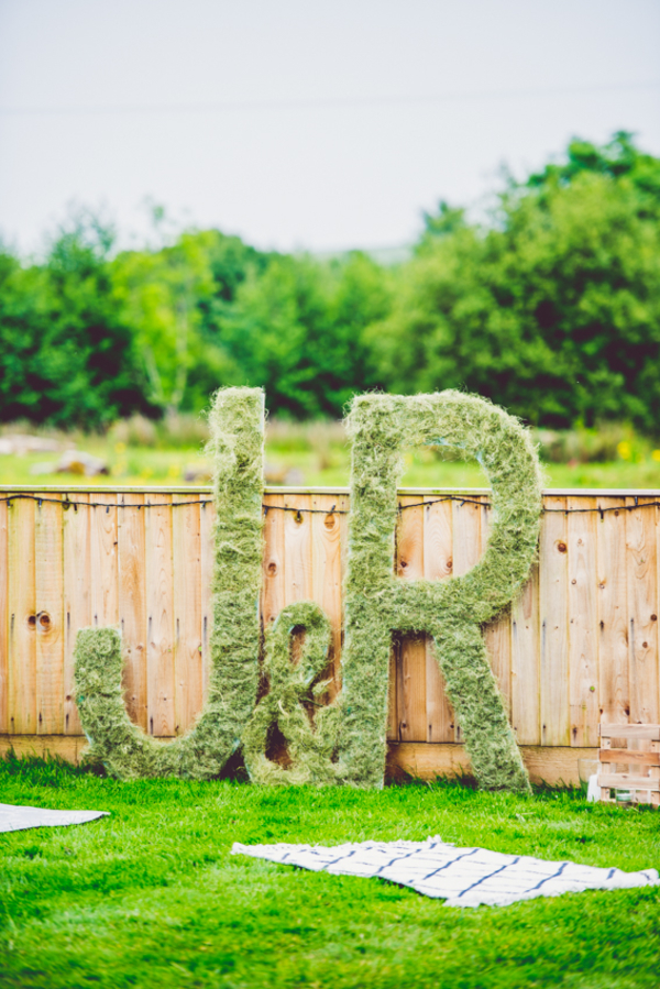 d1cf08374ed 10 Ways To Incorporate Moss Into Your Wedding Decorations