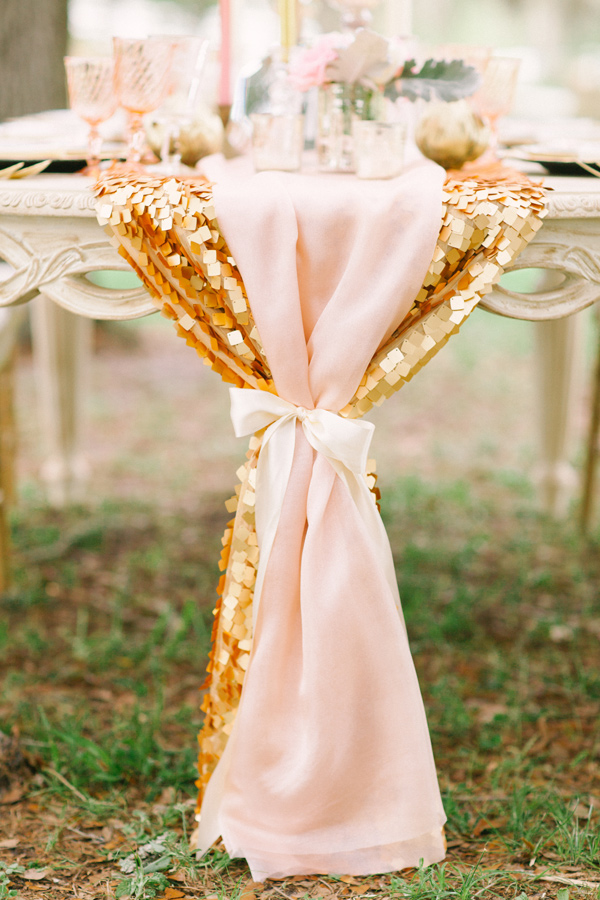 pink-and-gold-sequin-table-runners-wedding