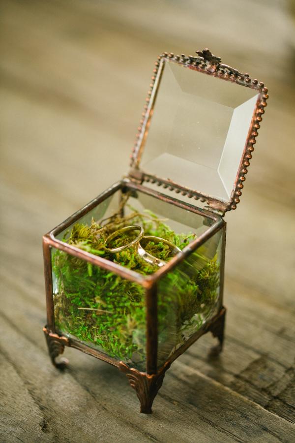 woodland rustic wedding ring dish moss