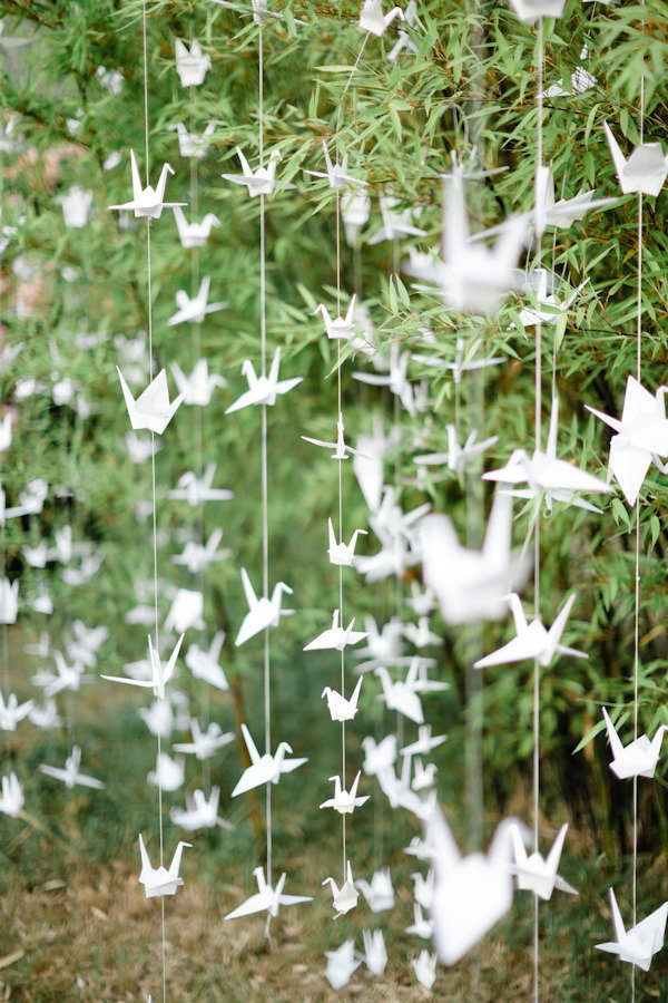 10 Ways To Include Birds And Birdcages At Your Wedding stylemepretty-com-xaviernavarro-com
