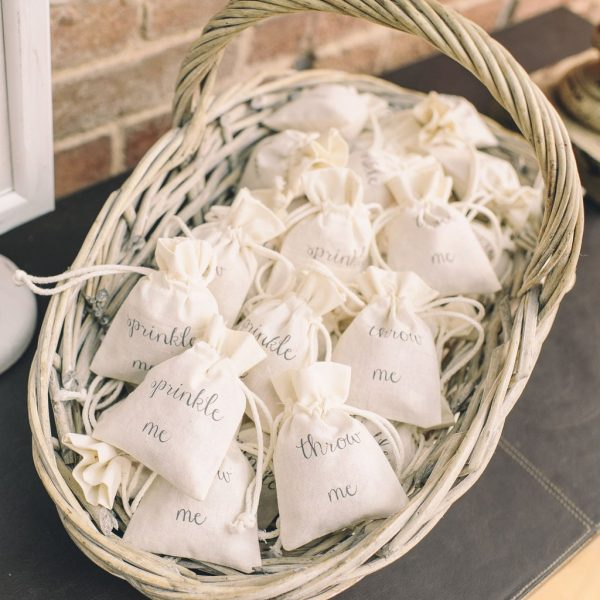 Create A Wedding Confetti Bar For Your Guests available to buy online from @theweddingomd throw_me_petal_confetti_bags_2_1024x1024