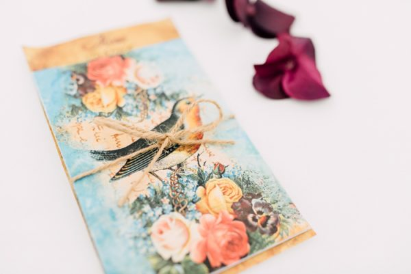 10 Ways To Include Birds And Birdcages At Your Wedding whimsicalwonderlandweddings-com-victoriatyrrellphotography-com