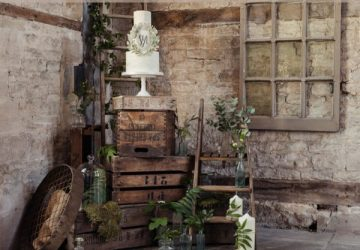 Learn how to create a rustic dessert table from @theweddingomd sq