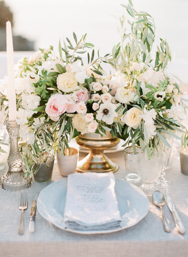 White and Gold wedding centrepeices table styling