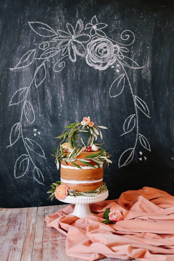 15 Creative Wedding cake table backdrops - Blackboard backdrops