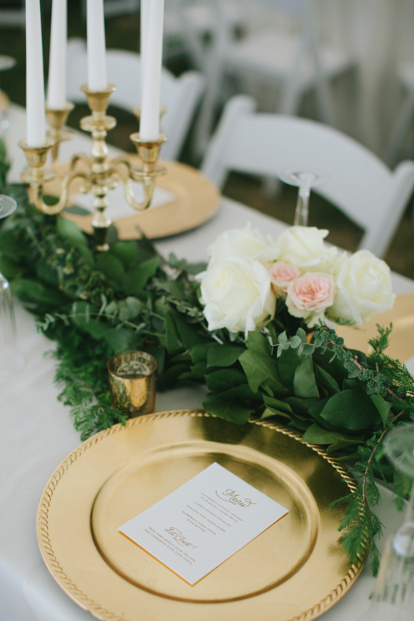 gold wedding table centrepice gold charger plates fold tea light holders