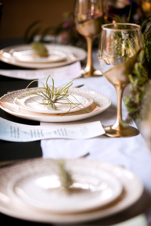 gold wine glasses wedding