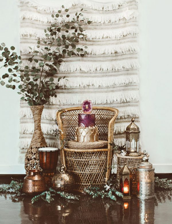 15 Creative Wedding cake table backdrops - Moroccan theme