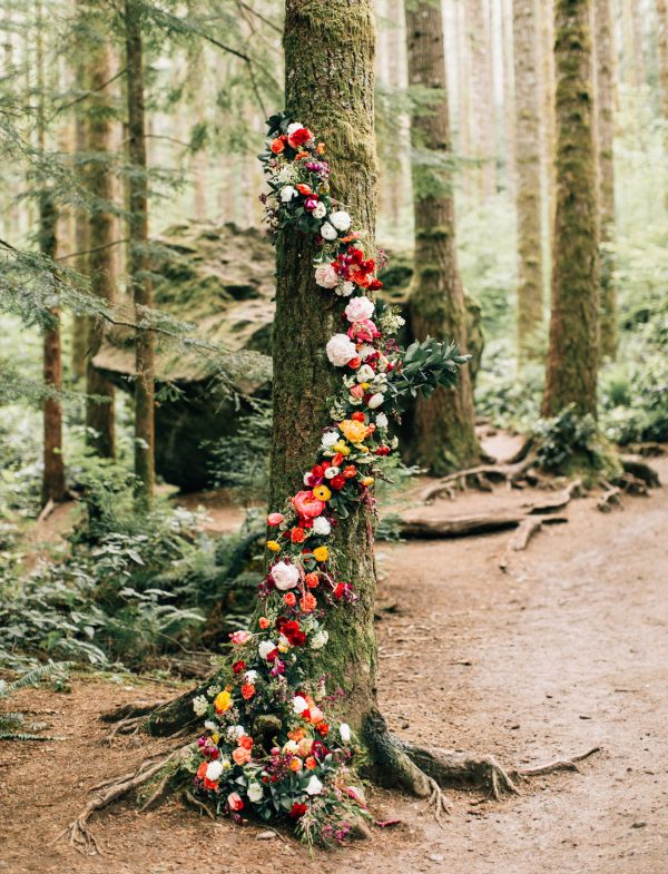 The Best Aisle Decorations For Outdoor Ceremonies greenweddingshoes.com - jennabechtholt.com