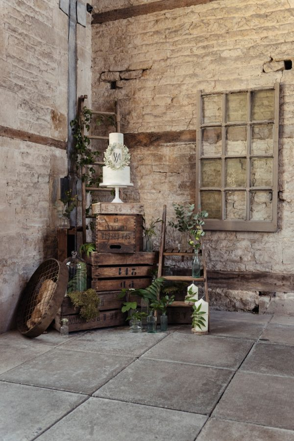 How To Create A Rustic Dessert Table whimsicalwonderlandweddings.com - sarahvivienne.co.uk