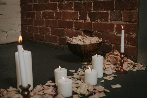Industrial whimsical wedding styling from the wedding of my dreams terrariums grey table cloths copper candle sticks (1)