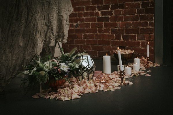 Industrial whimsical wedding styling from the wedding of my dreams terrariums grey table cloths copper candle sticks (5)