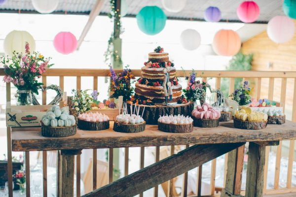Summer Wedding Dessert Tables - Ideas and Inspiration rockmywedding.co.uk - torihancock.com