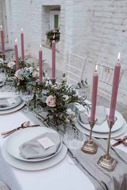 dusky pink and gold wedding decorations and ideas