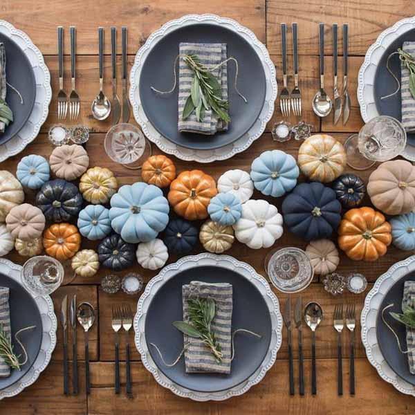 Halloween dinner table ideas