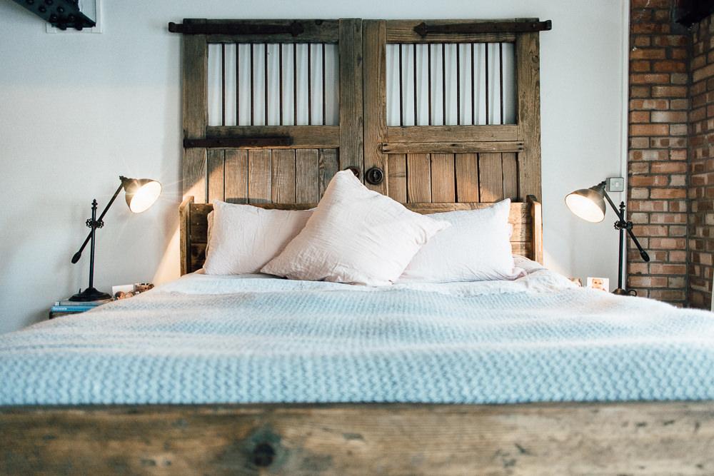 Barn doors bed head rustic bedroom industrial loft