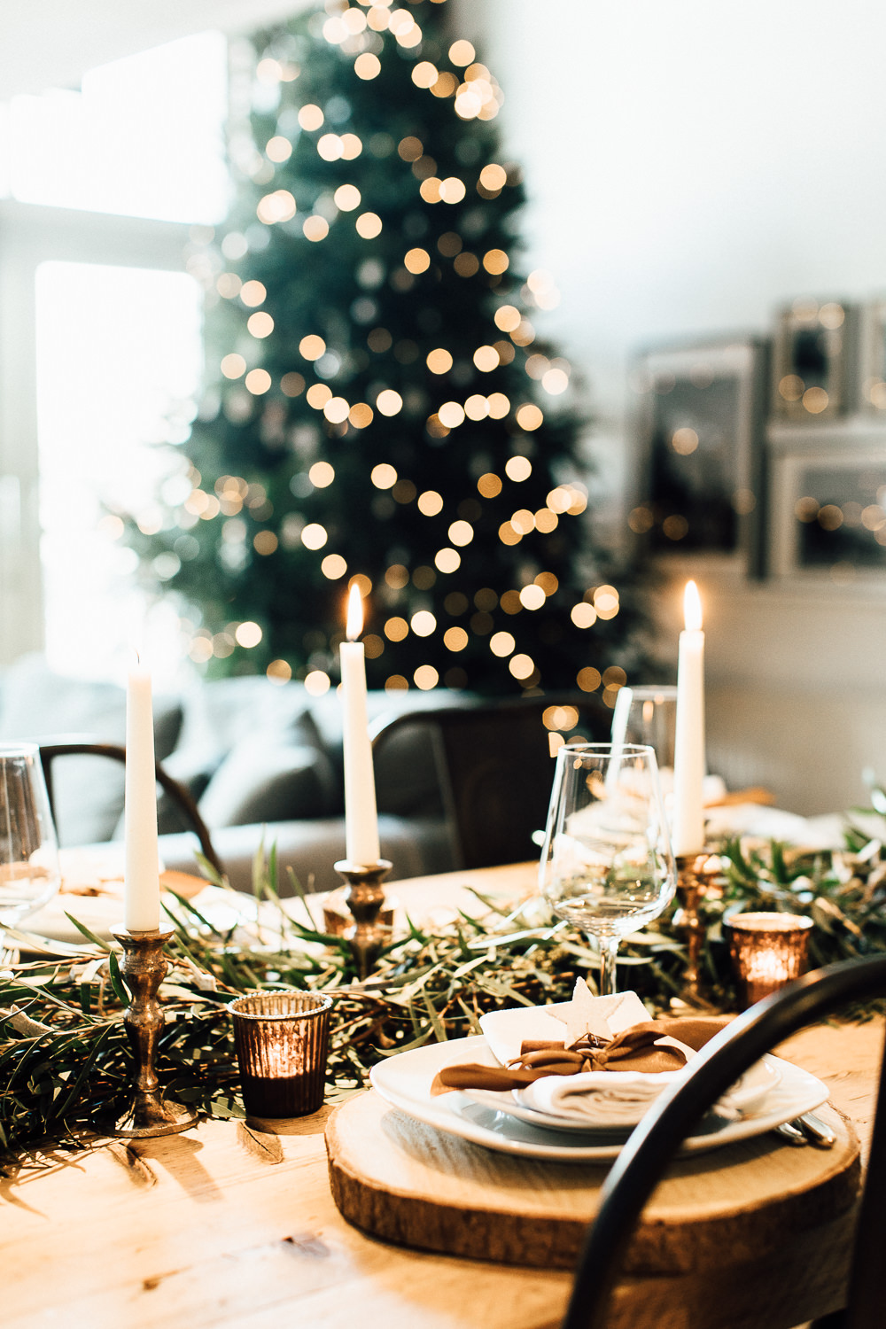 Industrial Living loft apartment Christmas Table Styling The Wedding of my Dreams (2)