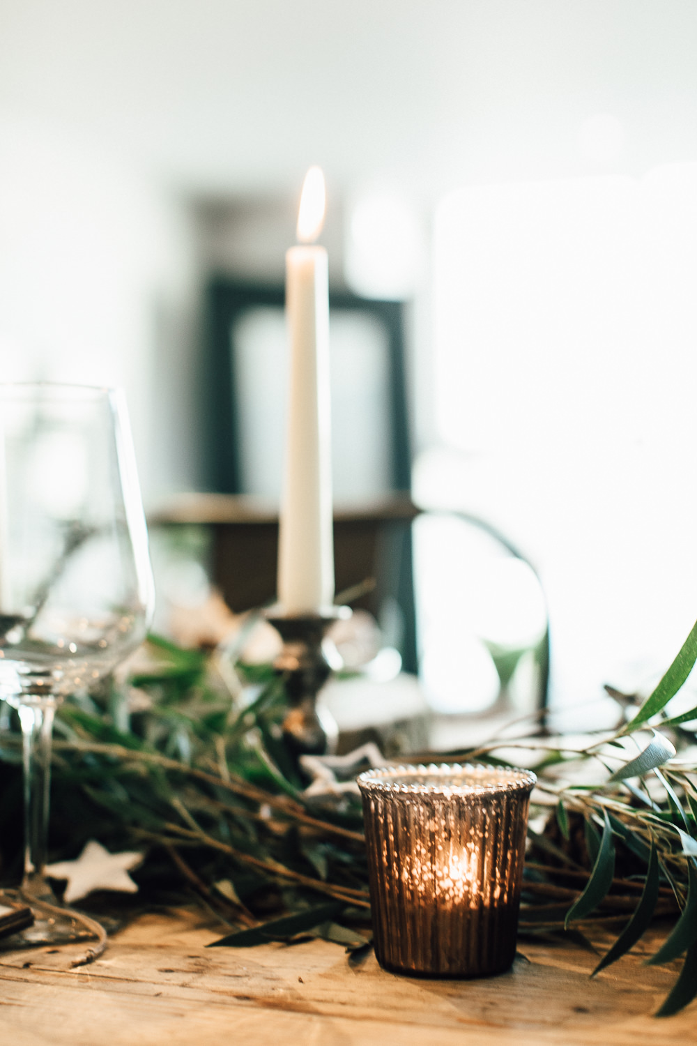 Industrial Living loft apartment Christmas Table Styling The Wedding of my Dreams (3)