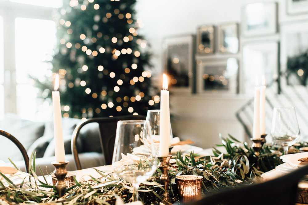 Industrial Living loft apartment Christmas Table Styling The Wedding of my Dreams (5)