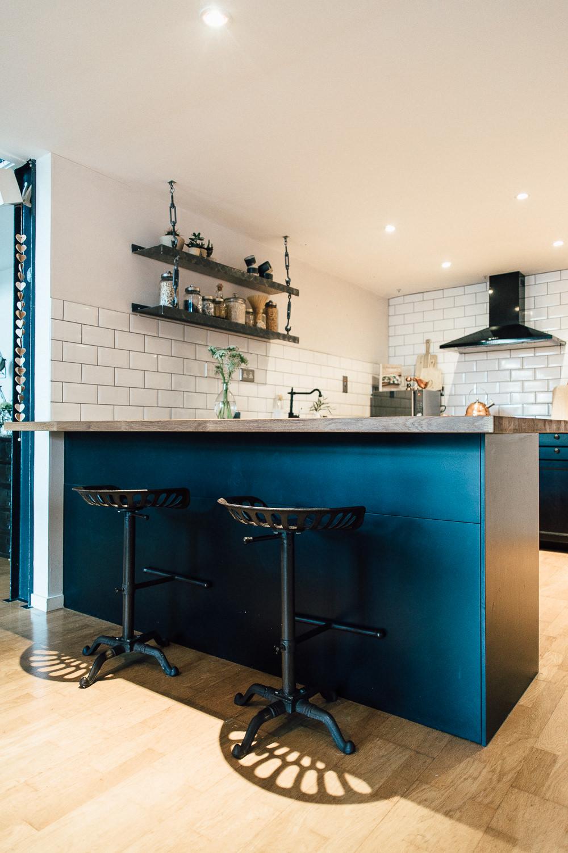 Industrial Living loft apartment Kitchen (2)