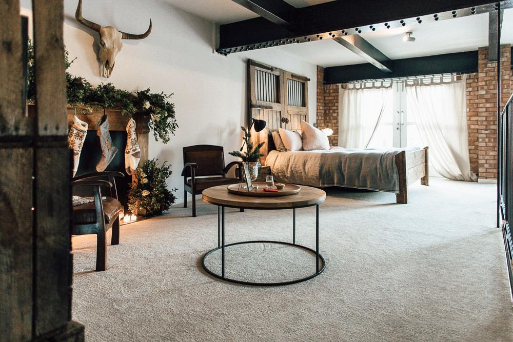 Industrial Living loft apartment bedroom rustic (2)