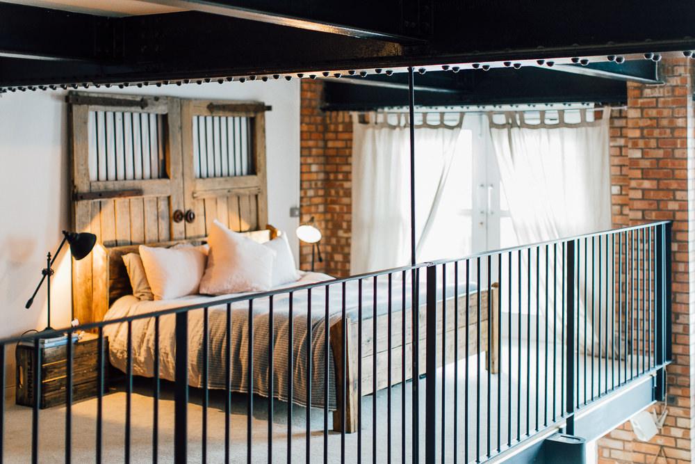 Industrial Living loft apartment bedroom(39)