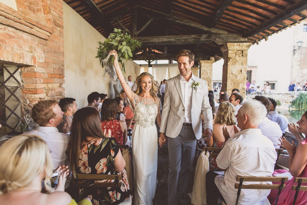Outdoor wedding ceremony ideas Tuscany Bagno Vignoni destination wedding